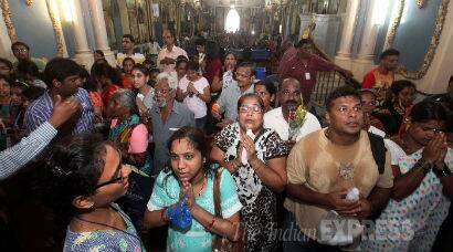 Devotees flock to Mount Mary Church, Bandra Fair