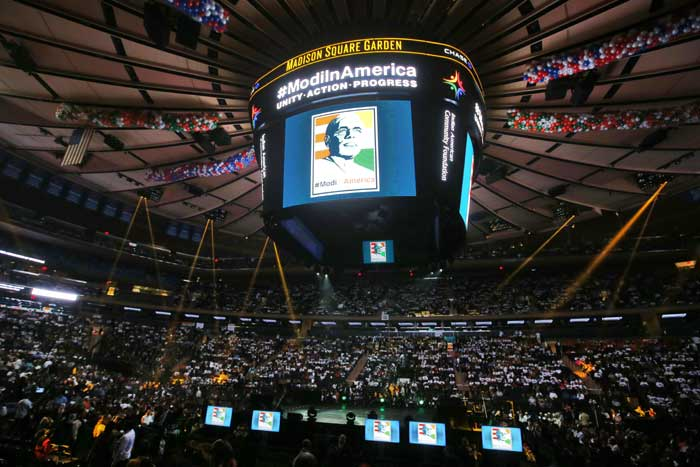 Supporters of India's Prime Minister Narendra Modi fill Madison Square Garden before a reception by the Indian community in honor of Modi's visit to the United States on Sunday, Sept. 28, 2014, in New York. (Source: PTI)