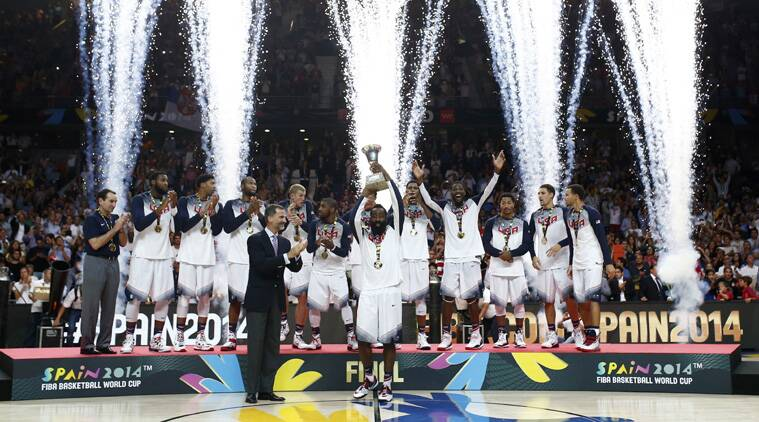 Spain's King Felipe applauds as United States' James Harden lifts the trophy alongside the rest of the team players as they celebrate wining the final of the World Cup (Source: AP)