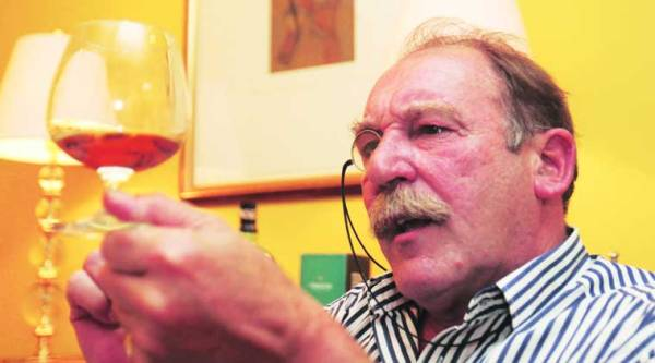 Charles MacLean is a Master of the Quaich, the whiskey tasting industry's highest accolade.