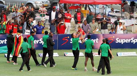 Zimbabwe players take a lap of honour around the ground after beating Australia by 3-wickets (Source: AP)