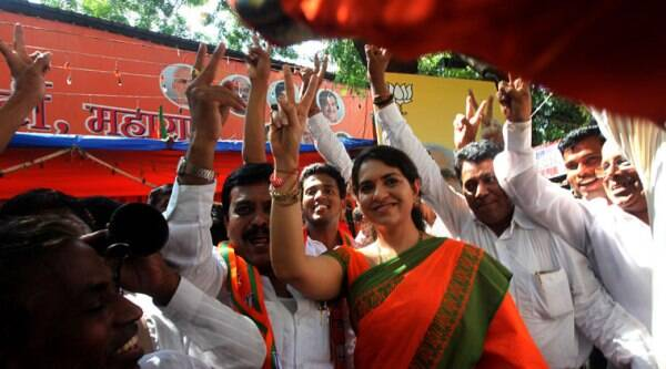 BJP leader Shaina NC along with party workers celebrating there victory at Party hade office at Nariman point, Mumbai on Sunday. (Source: Express photo by Prashant Nadkar)