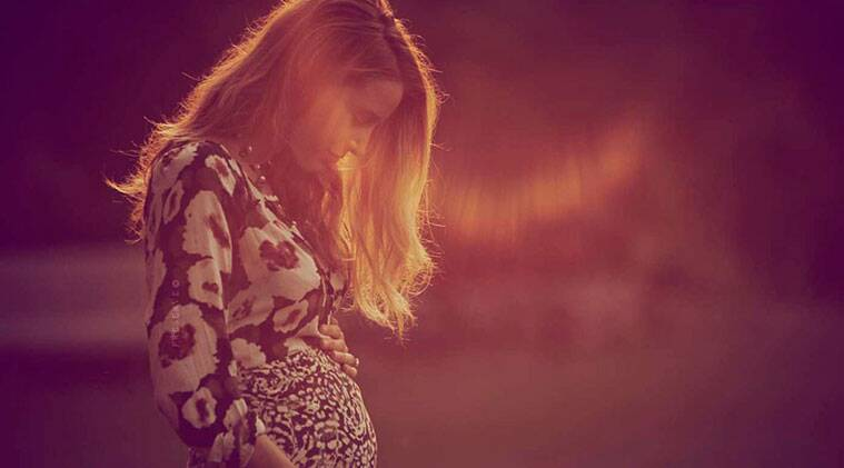 The 27-year-old actress announced her pregnancy news by posting a picture of herself showing off her baby bump on website. (Source: Preserve lifestyle website)