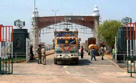 Truck with inflammable chemical explodes at Indo-Pak check-post