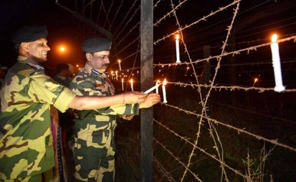 Today in Pics: Hindus in Pakistan celebrate Diwali, army men light up India-Pakistan border