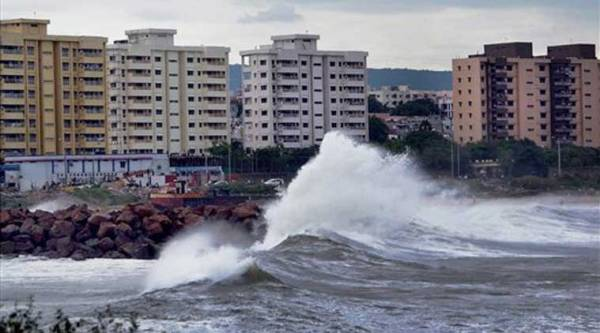 Tidal waves hit the Vizag beach as Cyclone Hudhud reaches the port city of Visakhapatnam on Saturday. (Source: PTI Photo)