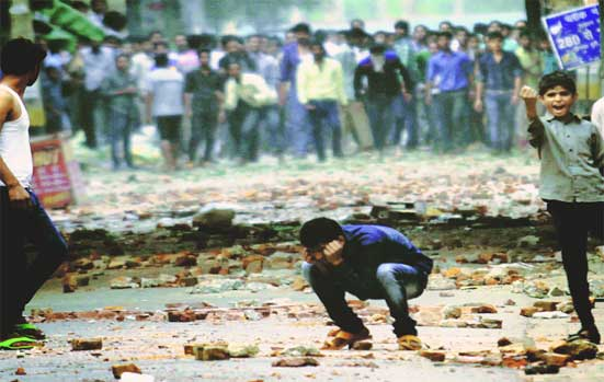 Residents said this is the first time since the 1984 riots that they have seen such clashes. (Express photo by Praveen Khanna)