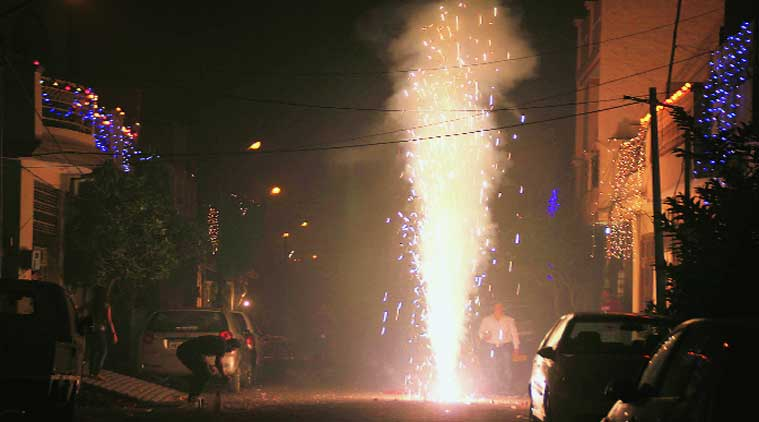 On Diwali, 32 fire incidents in city, over 40 burn patients visit hospitals