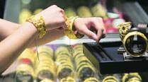 Gold regains sparkle in build-up to Diwali