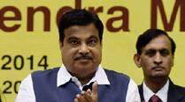 Gadkari gets backing of 39 MLAs; Don't want job, he says, but message to PM Modi is clear