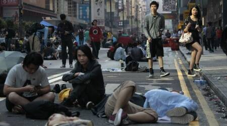 Hong Kong protest camp counts down finalhours