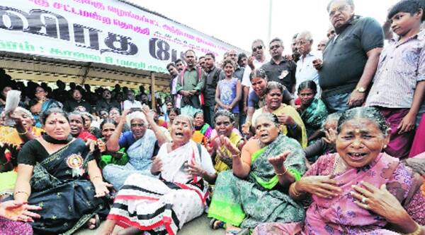 Supporters protest against conviction of Jayalalithaa in Coimbatore on Wednesday. Source: PTI