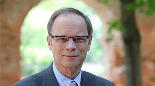 Jean Tirole won the Nobel prize for economics Monday for research on market power and regulation that has helped policy-makers understand how to deal with industries dominated by a few powerful companies. Source: AP photo.