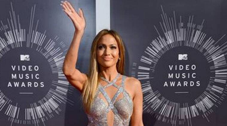 Jennifer Lopez said after the incident, the dancer walked out of the 'Booty' hitmaker's house wearing only pajama bottoms and came over to apologise.