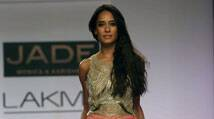 After Rishi Kapoor, another actor Lisa Haydon is down with dengue
