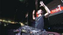 Dutch DJ Hardwell woos Delhi with his performance