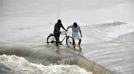 Odisha sets 'zero casualty' target as Hudhud approaches coast
