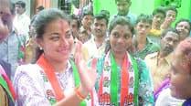 Praniti retains Solapur, Jayant PatilIslampur