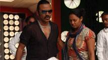 Tamil actor Raghava Lawrence to build temple for hismother