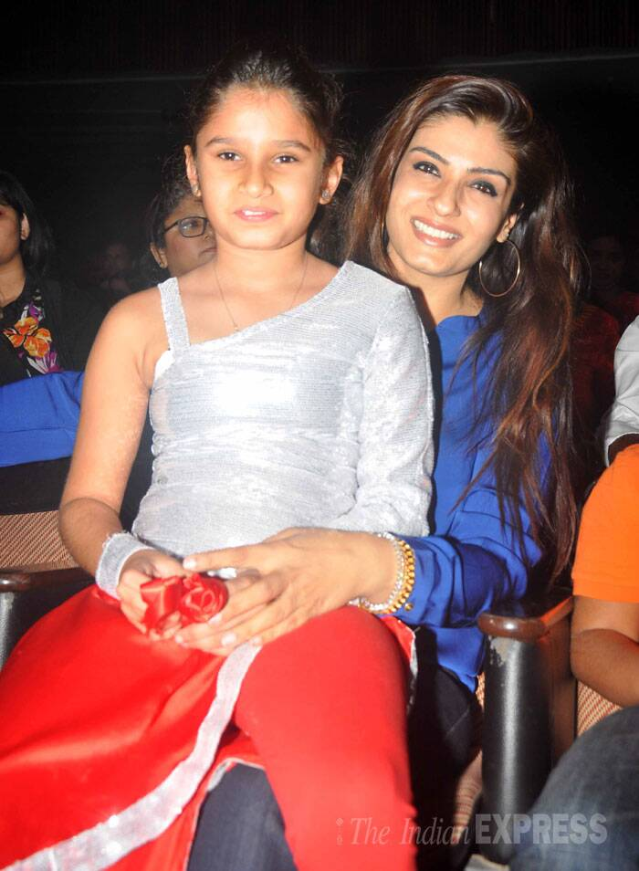Raveena Tandon was spotted with daughter at the same event, for she was also supposed to perform. (Source: Varinder Chawla)