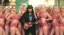 Saif Ali Khan as the rock star with a bevy of beauties