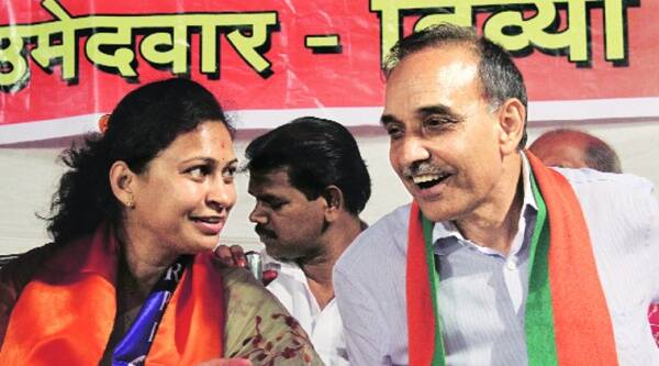 Satyapal Singh with Divya Dhole in Dharavi Tuesday. Source: Pradeep Kocharekar