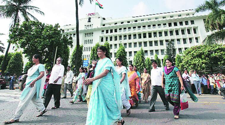 Mantralaya in a 'tearing' hurry for Governor's cleanliness pledge today