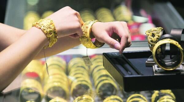 Indian consumers are making a scramble for gold in the build-up to Diwali on October 23 after a lacklustre festive season last year.
