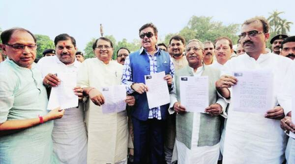 BJP MP Shatrughan Sinha with a memorandum submitted to the Governor for the victims on Sunday. Source: PTI