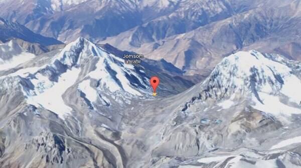 The red pointer is Thorong La. (Source: Google Maps)