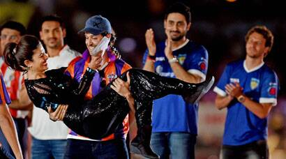 Priyanka Chopra, Hrithik Roshan add star power to ISL