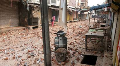 Communal violence in Trilokpuri after Diwali