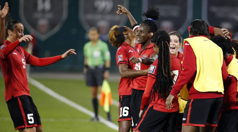 Kennya Cordner (C) flicked in a header in the 73rd minute, and celebrated with a forward flip. (Source: AP)