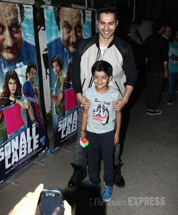 Varun, Rekha watch Ramesh Sippy's 'Sonali Cable'