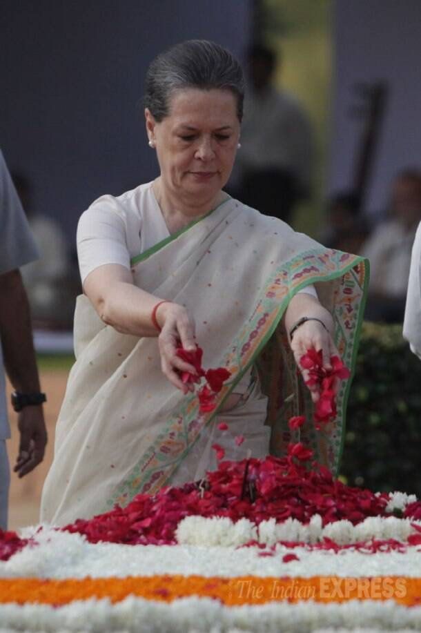 On Gandhi Jayanti, PM Modi pays tribute at Rajghat and Vijayghat