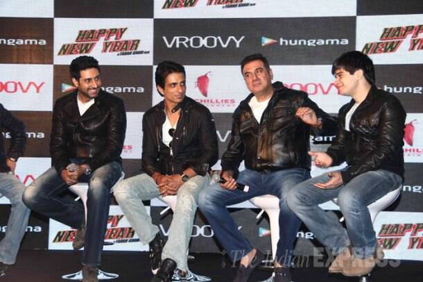 'Happy New Year' boys Shah Rukh Khan, Abhishek, Sonu Sood celebrate the film's success