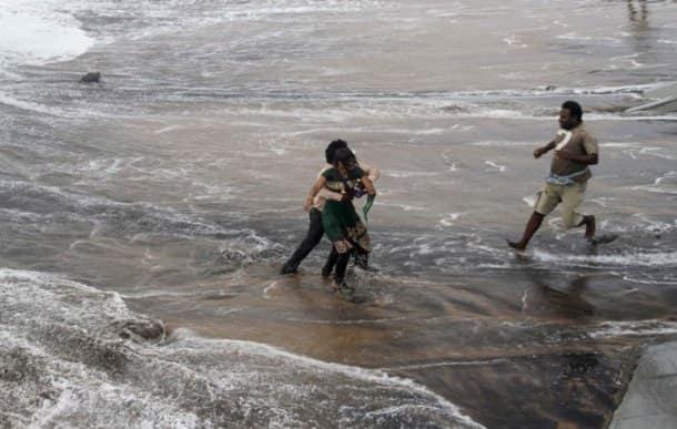 Cyclone Hudhud hits Andhra Pradesh, Orrisa
