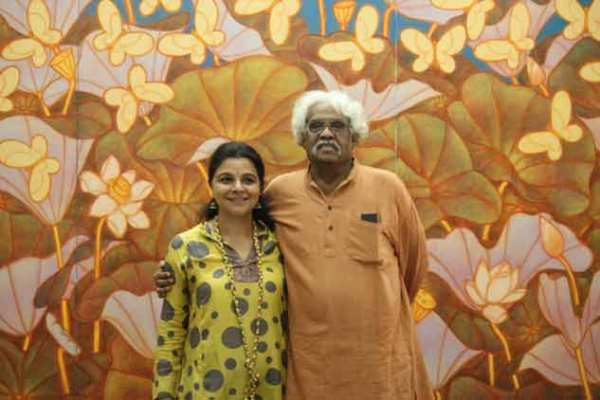 Standing tall A Ramachandran with student Manisha Gera Baswani; the artist with his sculpture, Monumental Gandhi.
