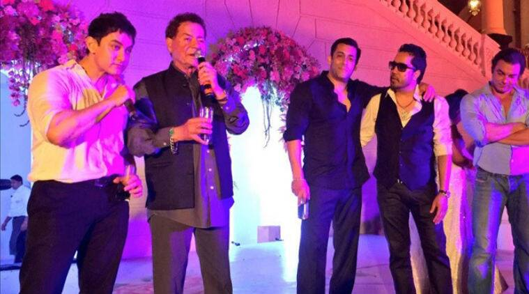 Post the wedding nuptials, Aamir Khan and singer Mika Singh entertained the guests.
