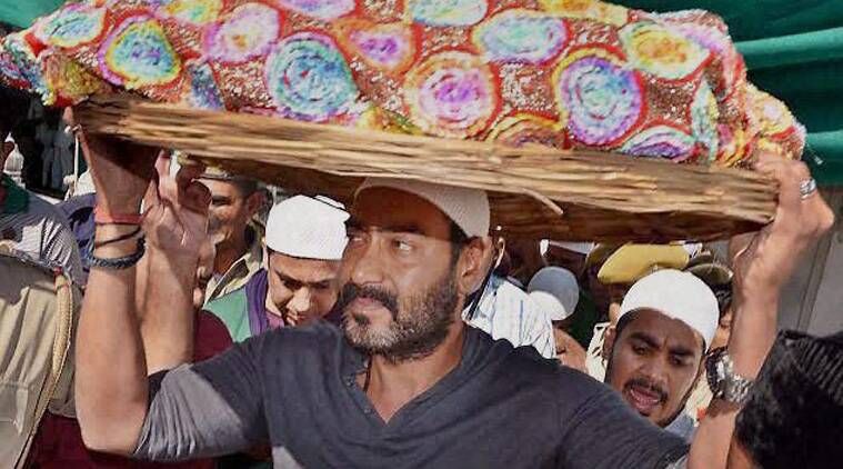 Bollywood actor Ajay Devgn on Sunday offered his prayers at the dargah of Sufi saint Khwaja Moinuddin Chisti in Ajmer. (Source: PTI)