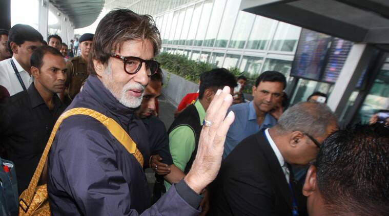 """It's time for Amitabh Bachchan to say goodbye to Kolkata, where he was shooting for his upcoming film """"Piku"""". The megastar is now headed to Goa to attend the 45th edition of International Film Festival of India (IFFI). (Source: Subham Dutta)"""