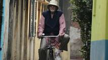 As the Kolkata leg of Shoojit Sircar's 'Piku' comes to an end today, megastar Amitabh Bachchan feels it will be tough for him to leave the city.