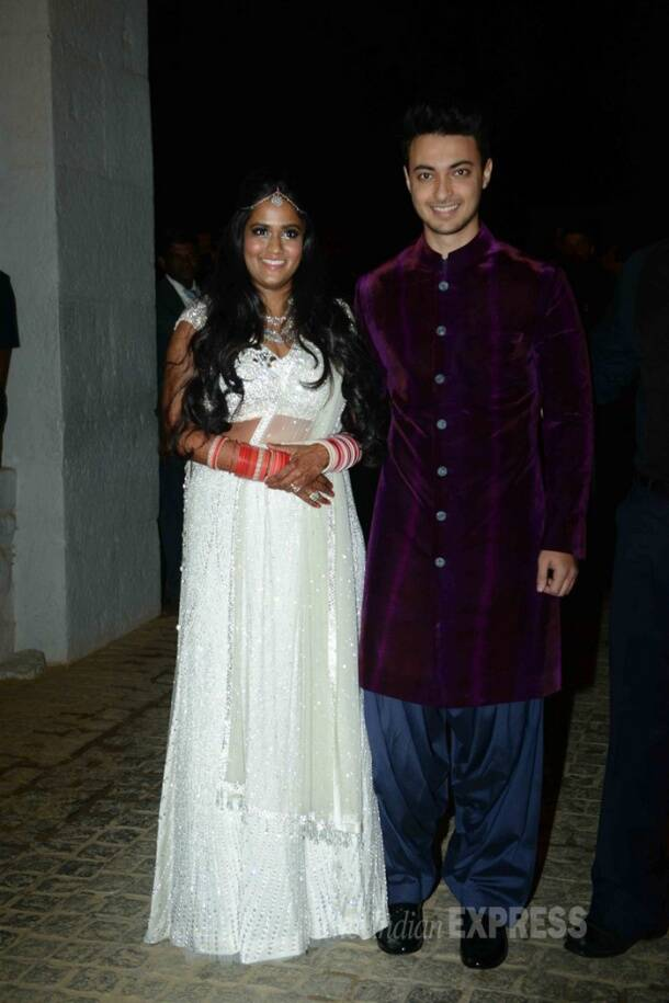 Newlyweds Arpita Khan, Aaysuh with Salman and Aamir