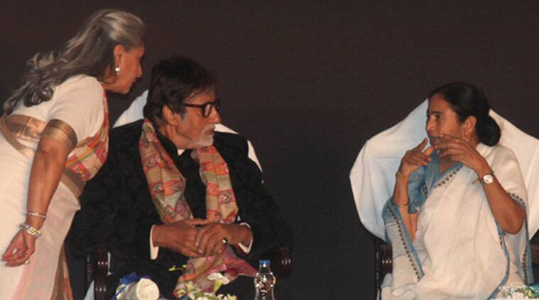 "Giving the inaugural address at the 20th Kolkata International Film Festival, Amitabh reminisced his early life in the city, reciting Tagore's ""Purano Sei Diner Kotha (Memories of Good Old Days)."" (Source: Varinder Chawla)"