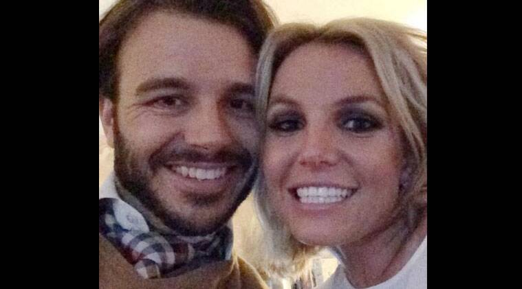 The 32-year-old singer has posted the selfie with Ebersol on her Instagram page. (Source: Twitter)