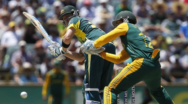 Clarke re-injured his problematic left hamstring on Friday in Australia's 23-run win over the Proteas. (Source: AP)