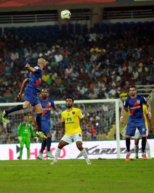 Indian Super League: Nicolas Anelka's majestic strike propels Mumbai CityFC to victory