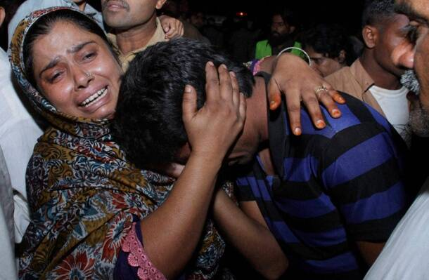 Suicide attack kills 55 at Wagah border in Pakistan