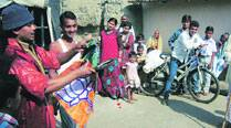 BJP calls in magicians, hopes they will do its Jharkhand trick