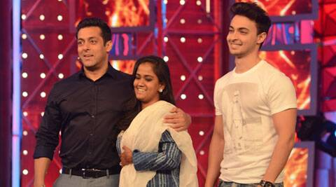 Salman Khan back to 'Bigg Boss' after the celebrations; introduces Arpita, Aayush to the inmates